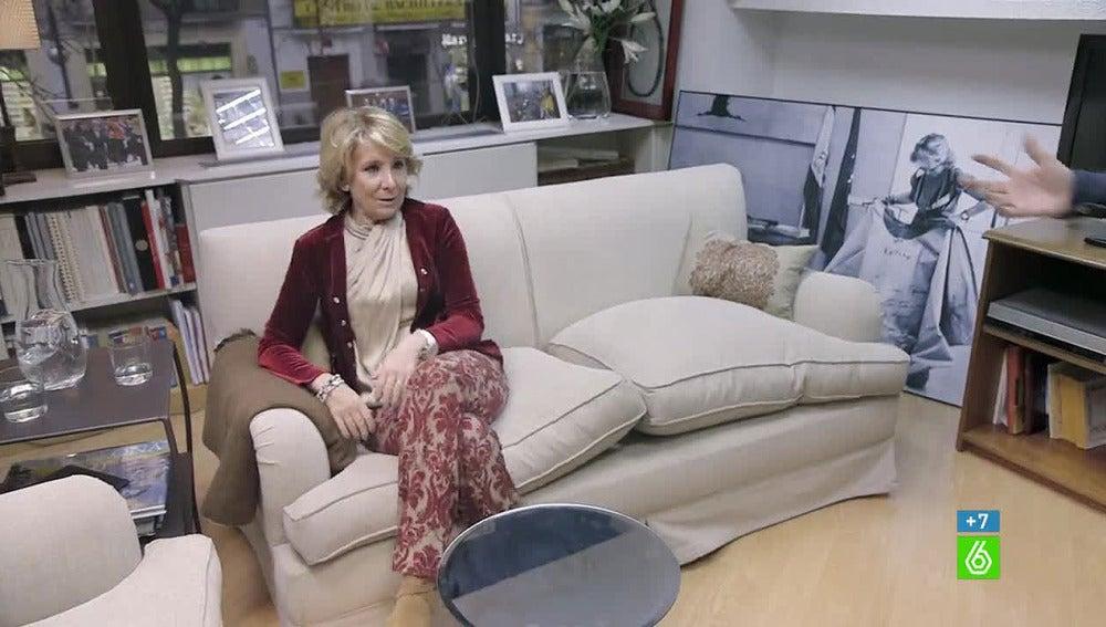 Esperanza Aguirre en su despacho de Génova