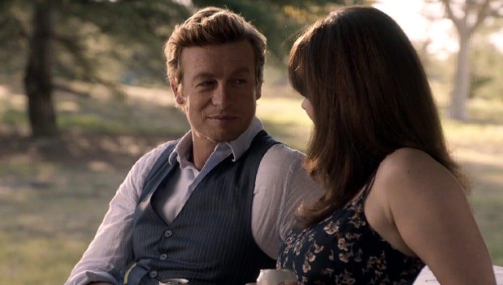 Teresa Lisbon le dice a Patrick Jane que le quiere