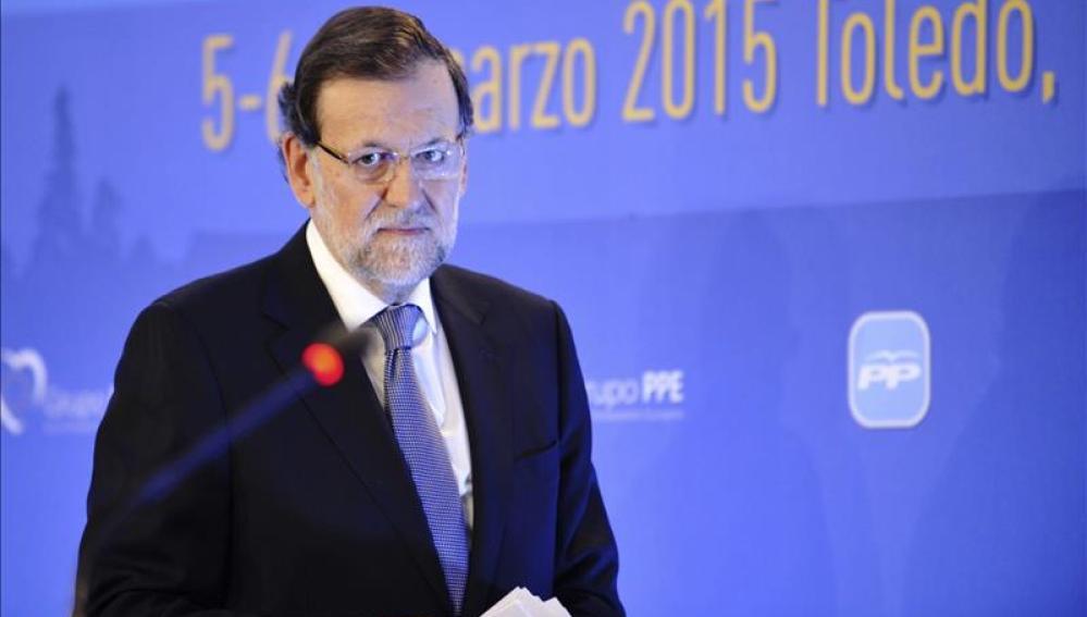 Mariano Rajoy antes de hablar en un acto público