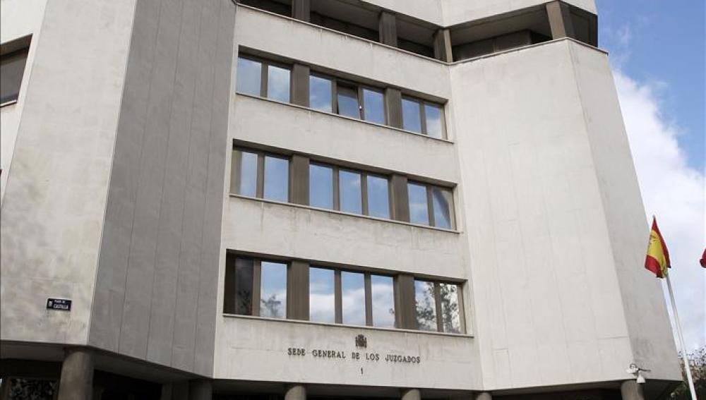 Vista parcial del edificio sede de los Juzgados en la Plaza de Castilla.