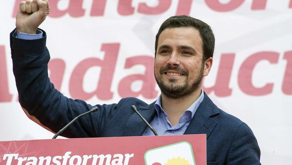 Alberto Garzón acompaña a Antonio Maíllo en un acto de campaña en Málaga