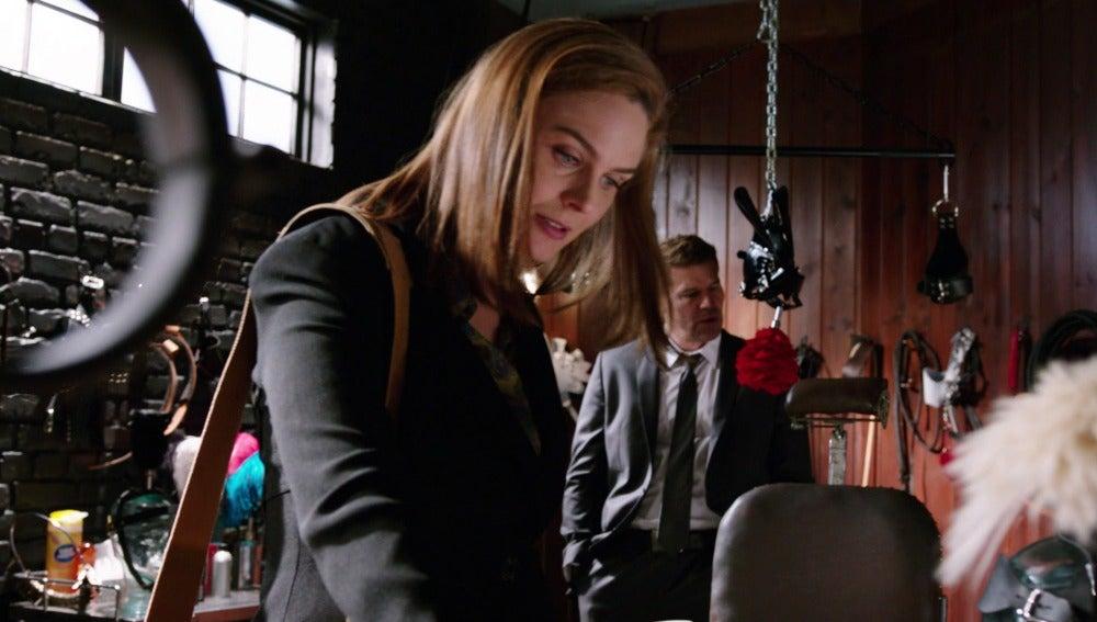 Booth y Brennan analizan la mazmorra del sexo de Huch Whitehouse
