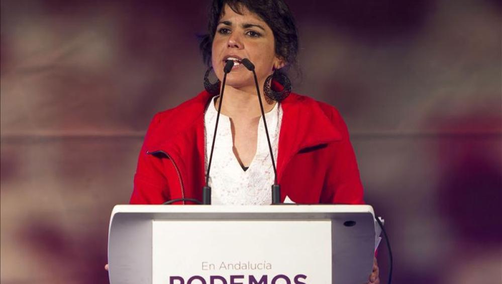 Teresa Rodríguez en un mitin de campaña