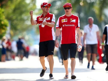Vettel y Raikkonen, tan amigos