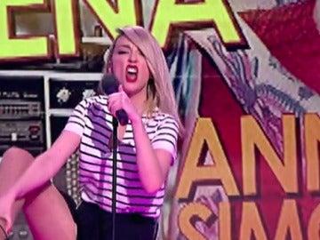 Anna Simon imita a Shakira