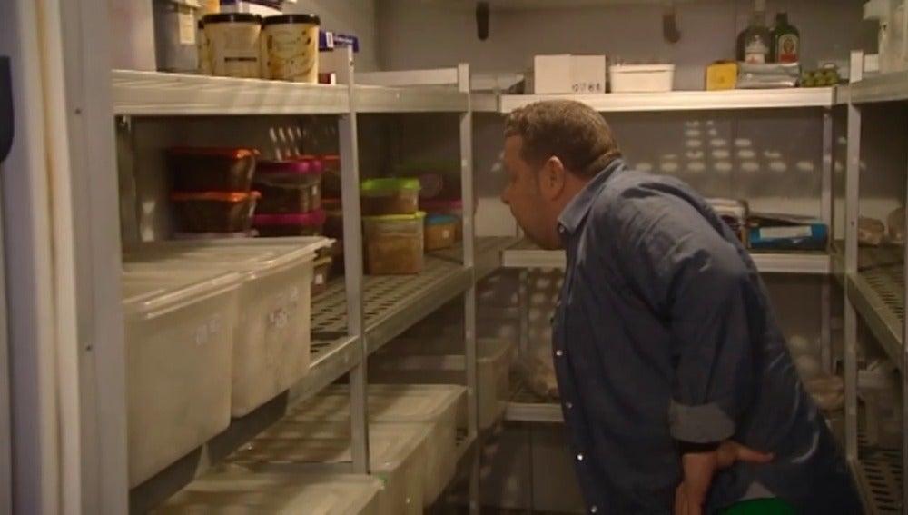 Alberto Chicote inspecciona la cocina del restaurante 'Karma'
