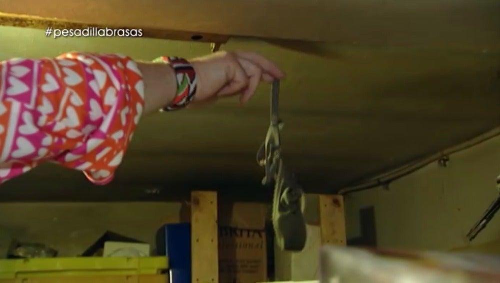 Alberto Chicote encuentra unas bragas en la cocina del 'Brasas'