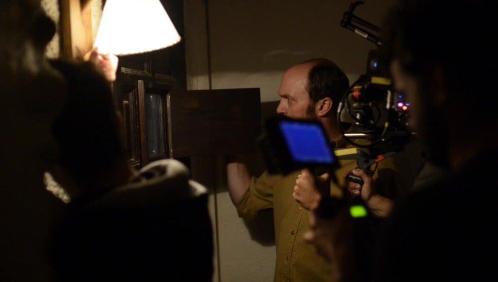 Will Keen en el rodaje de una escena de 'Refugiados'