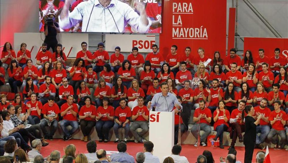 Sánchez dará vía libre a los 'barones' del PSOE para entablar alianzas