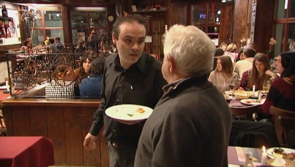 Discusión en el comedor de 'Mesón Galicia'