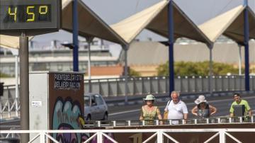 Termómetros que supera los 40º en Sevilla.