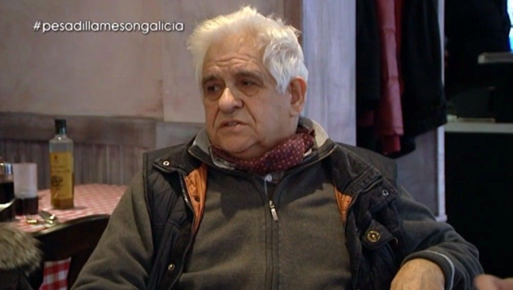 Antonio habla con Chicote de la situación del 'Mesón Galicia'