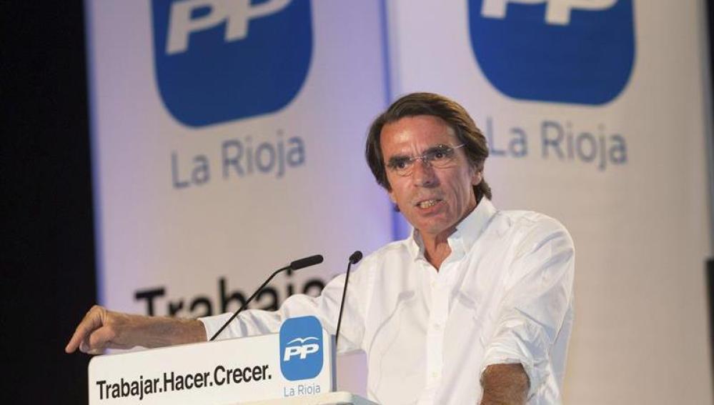 Aznar hace campaña en Logroño