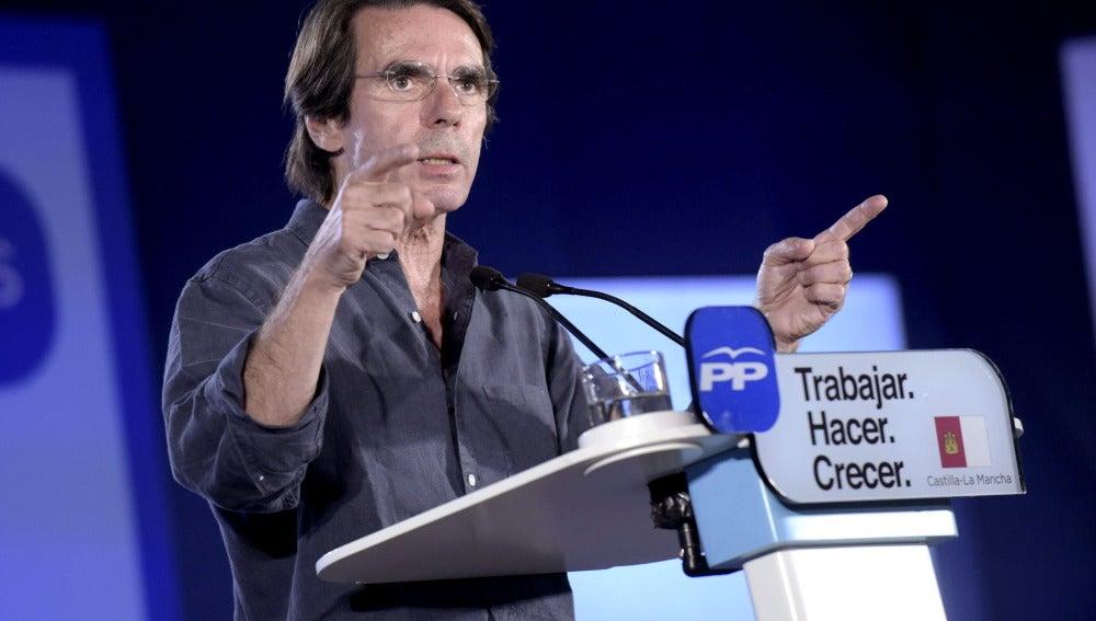 José María Aznar durante un mitin del Partido Popular
