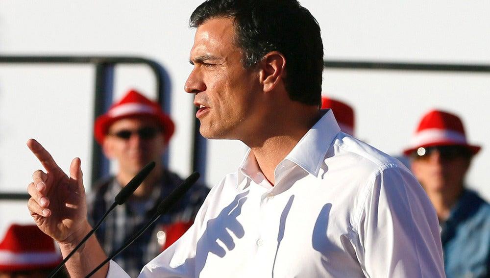 Pedro Sánchez durante su intervención en el acto electoral de cierre de campaña