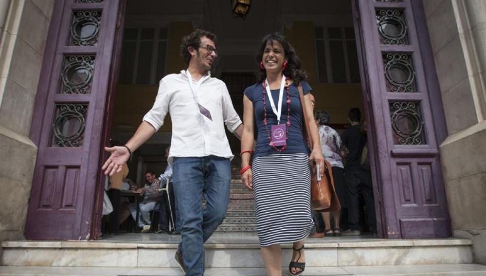 José María González, alcalde de Cádiz, junto a Teresa Rodríguez