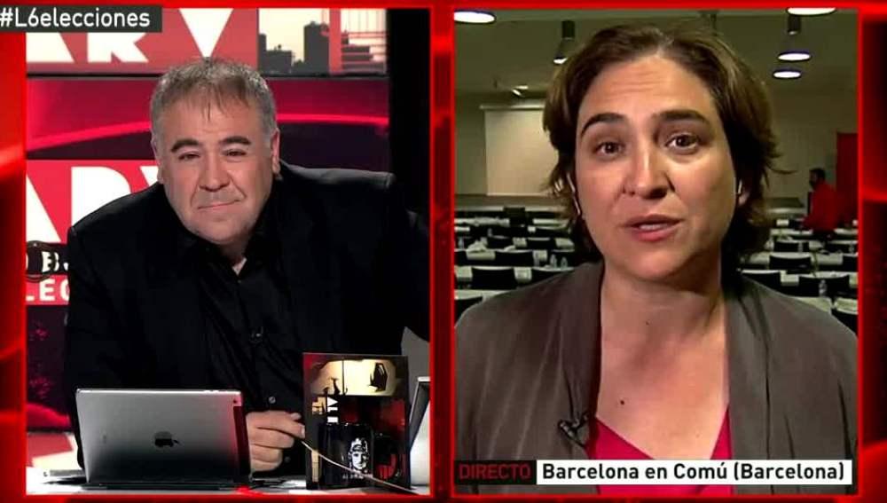 Ada Colau habla con Ferreras