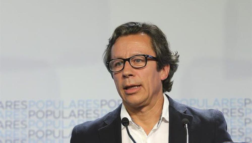 Carlos Floriano habla con los medios