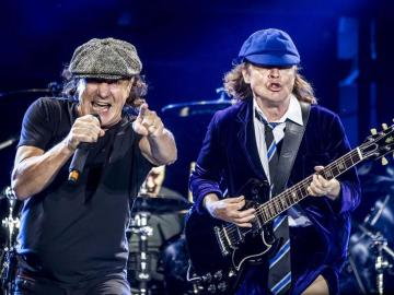 Brian Johson y Angus Young en el concierto de AC/DC en Madrid