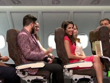 Ana Pastor en un avión