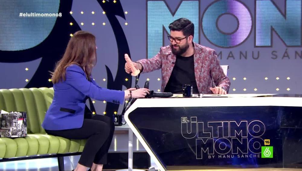 Valérie Tasso y Manu Sánchez en 'El Último Mono'