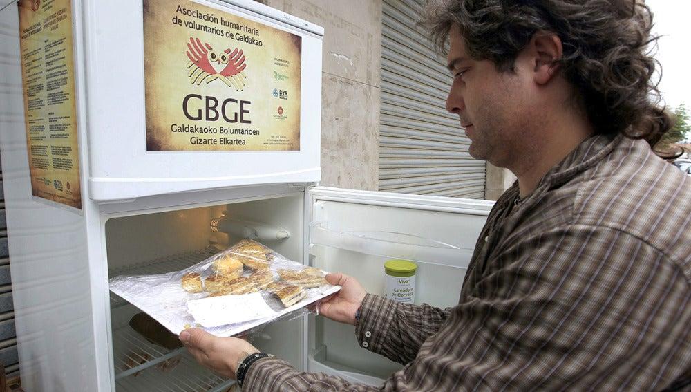 """Álvaro Saiz, promotor del """"frigorífico solidario"""" de Galdakao"""