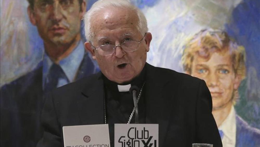 El cardenal arzobispo de Valencia, Antonio Cañizares, durante la conferencia que ha ofrecido en el Club Siglo XXI en Madrid
