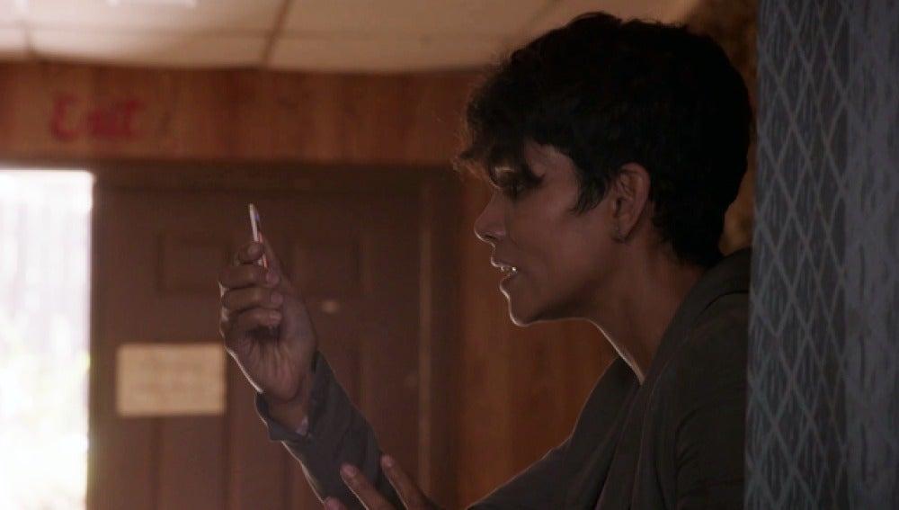 Molly advierte a John del mal presentimiento sobre Yasumoto