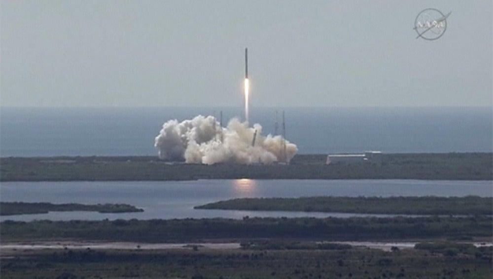 La nave Soyuz se ha acoplado con éxito a la Estación Espacial Internacional