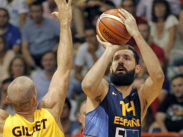 Mirotic en su debut con España