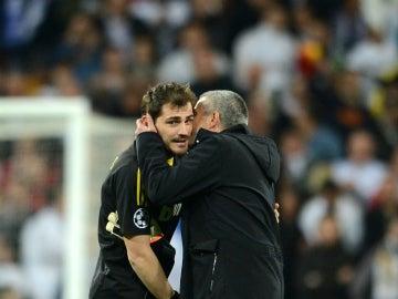 Iker Casillas y José Mourinho, durante su etapa en el Real Madrid
