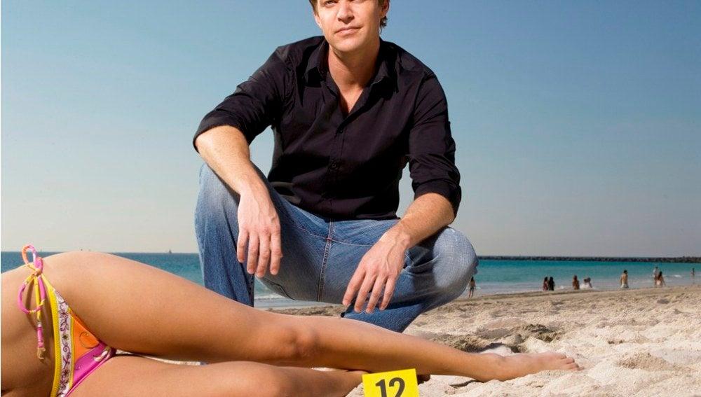 Jim Longworth, el atractivo y brillante detective de homicidios de 'The Glades'