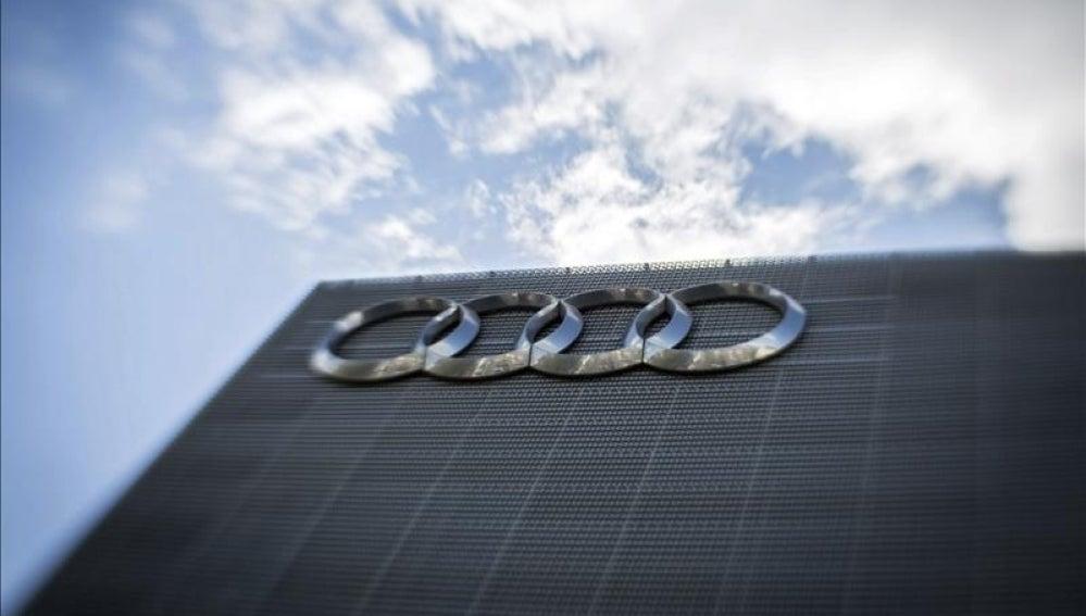 Logotipo de Audi en un concesionario de Fránforct, Alemania