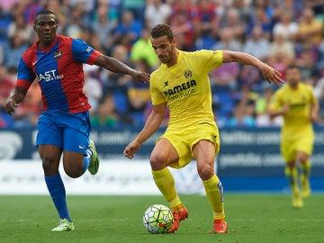 Simao Mate, jugador del Levante, durante el partido contra el Villarreal
