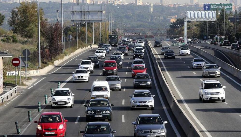 Retenciones en la carretera de A Coruña, a la salida de Madrid