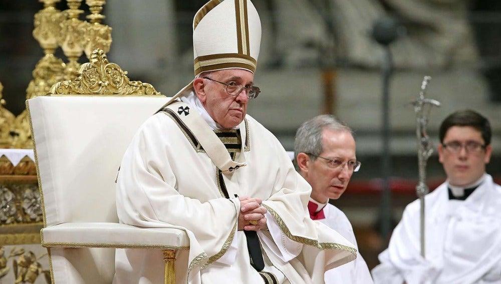 El papa Francisco durante la Misa del Gallo
