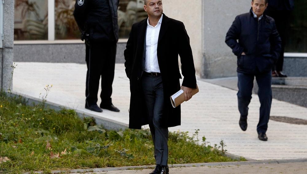 Miguel Ángel Flores llega a los juzgados