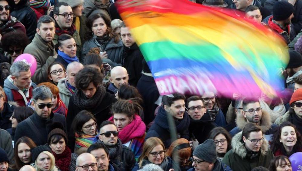 Decenas de miles de personas se movilizan en Italia para reclamar el reconocimiento de uniones homosexuales