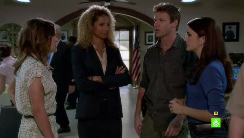 Callie conoce a la detective Samantha Harper, la exnovia de Jim