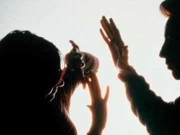 Imagen que recrea una agresión contra una mujer