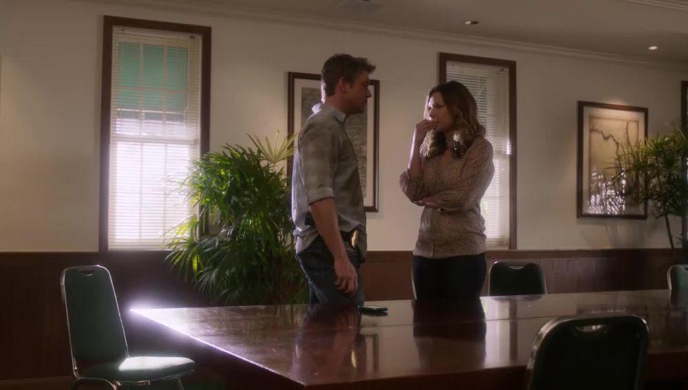 Jim promete ayudar a Callie en su caso de impuestos