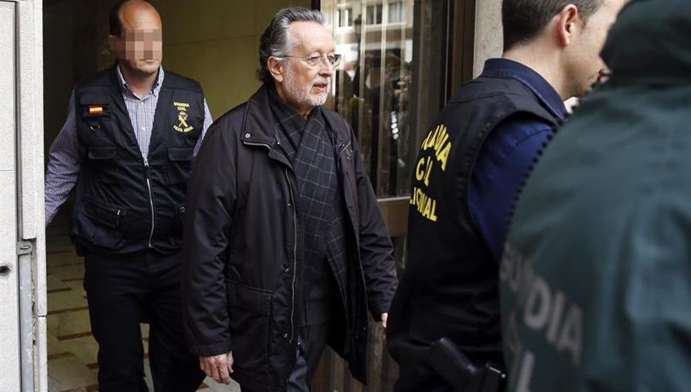 Alfonso Grau sale detenido de su domicilio