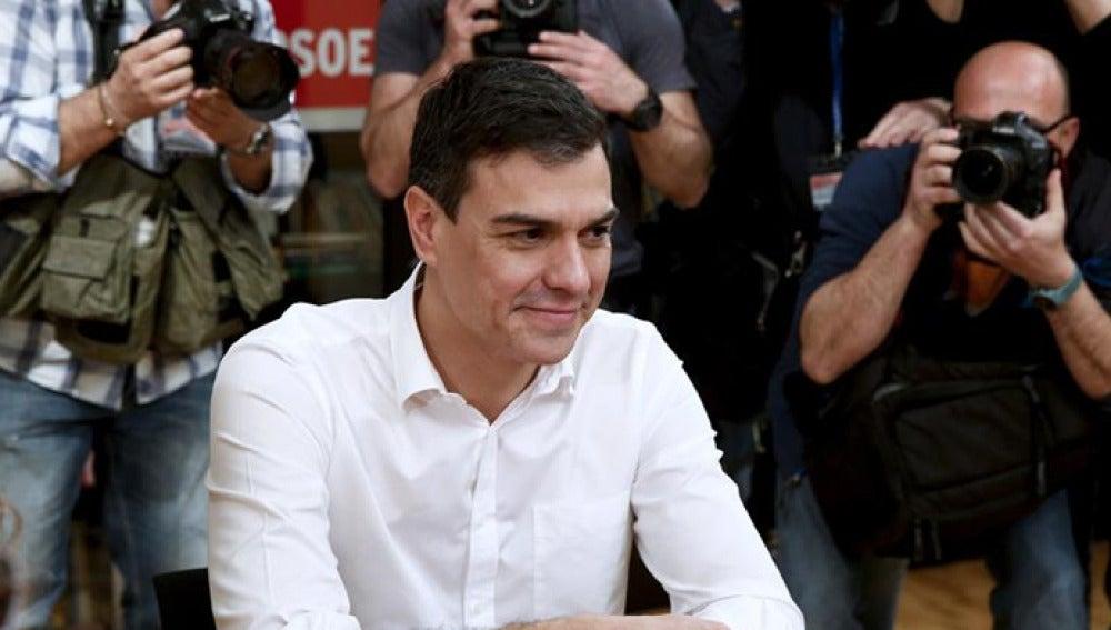 Pedro Sánchez ante los medios de comunicación (Archivo)