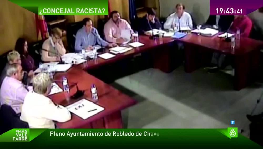 Pleno en el Ayuntamiento de Robledo de Chavela