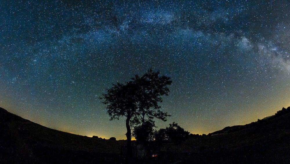 Imagen de la Vía Láctea, capturada en verano