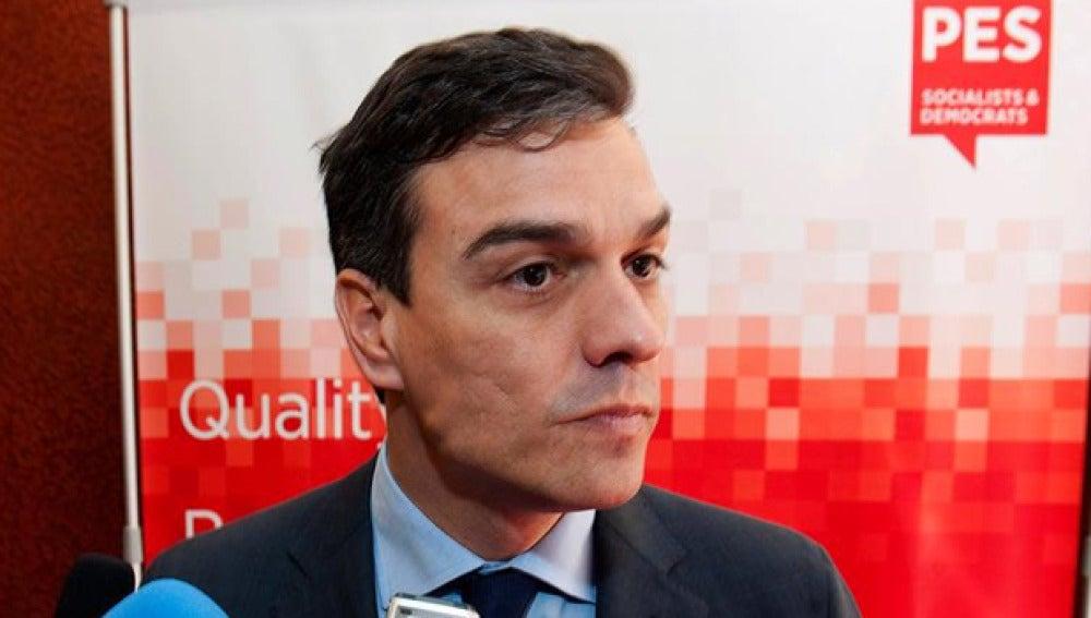 Pedro Sánchez habla ante los medios de comunicación