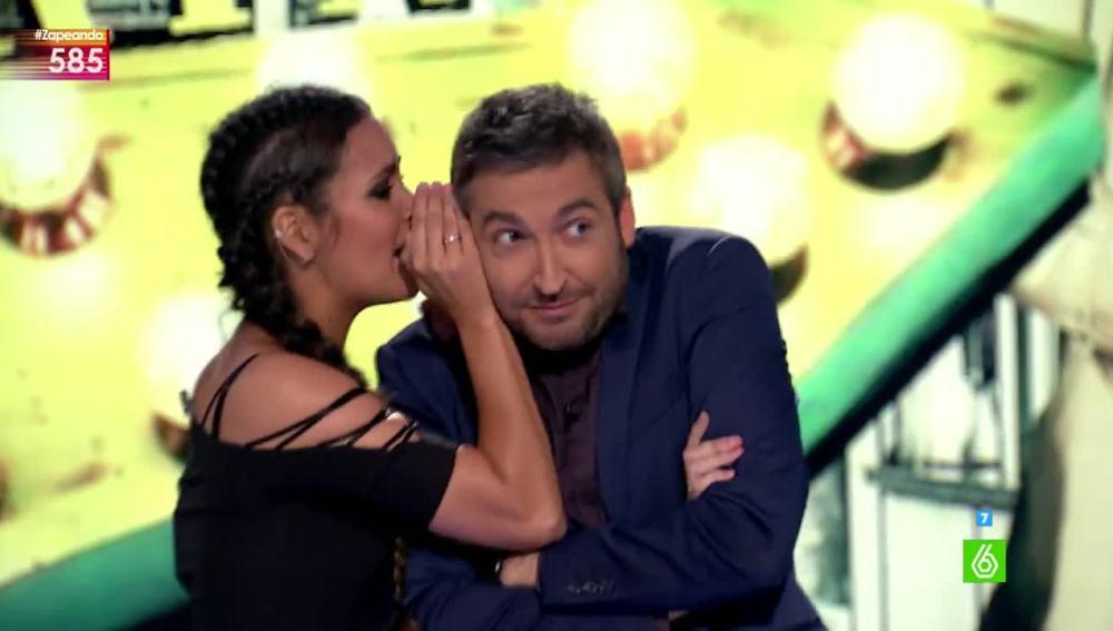 Cristina Pedroche cuenta un secreto a Frank Blanco
