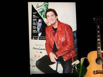Capilla ardiente del cantante Manolo Tena en la sede de la SGAE