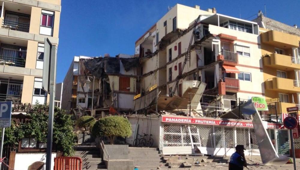 Edificio de viviendas desplomado en Tenerife