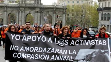 Asociaciones animalistas marchan en apoyo a animalistas multados por protestar contra el maltrato animal